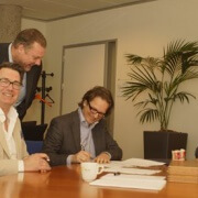 Vlnr: Henk Kerlien, Manager Algemene Zaken Bo-Ex, Feike Verweij, Business Consultant HC&H, Jan van Dijk, Commercieel Directeur CNS en Johan Klinkenberg, Directeur Bo-Ex